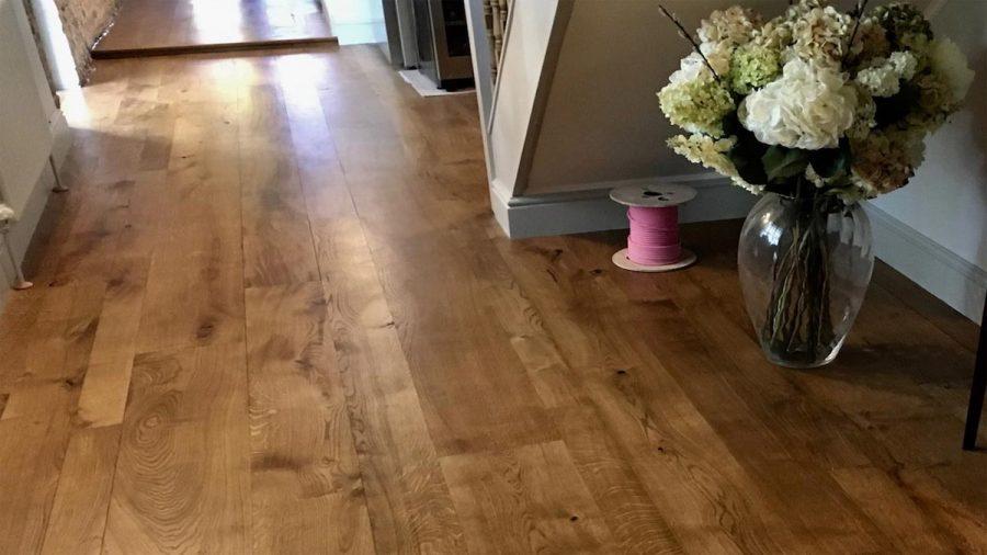 Solid Rustic Oak Flooring – A Statement Floor